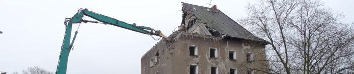 Bunker in Duisburg: Abriss des Hochbunkers auf dem Hochfelder Markt