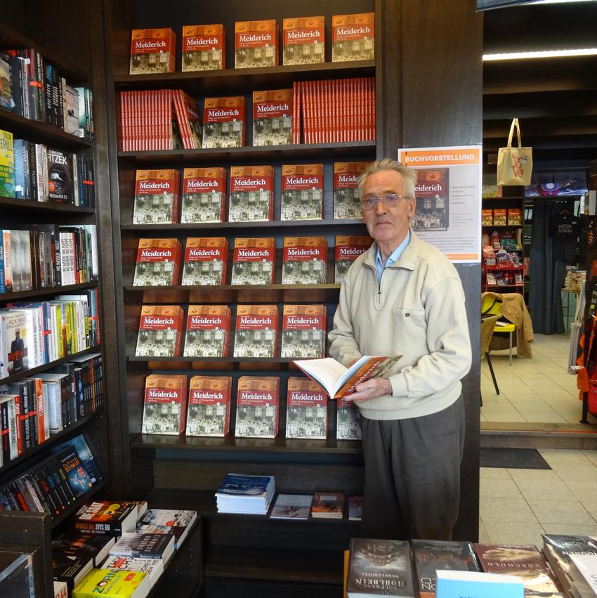 Autor Werner Maistrak stellte sein Buch in der Meidericher Traditionsbuchhandlung Filthaut vor. Foto: Petra Grünendahl.