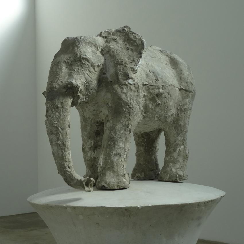 Eine Elefantenplastik von Johannes Brus im Museum DKM. Foto: Petra Grünendahl.