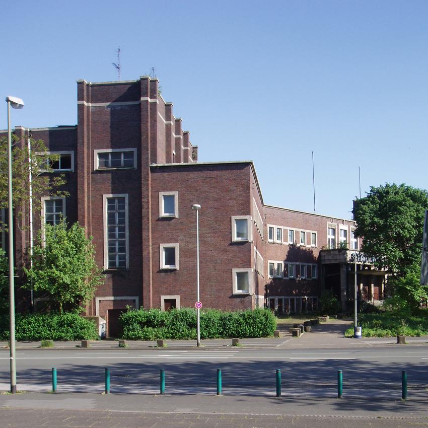 Stadtbad Hamborn 2005: Duisburger Denkmalthemen Heft 11. Foto: Dr. Claudia Euskirchen.