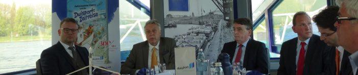 Zeitmaschine durch 300 Jahre Duisburger Hafengeschichte: duisport präsentiert Chronik und Kinderbuch