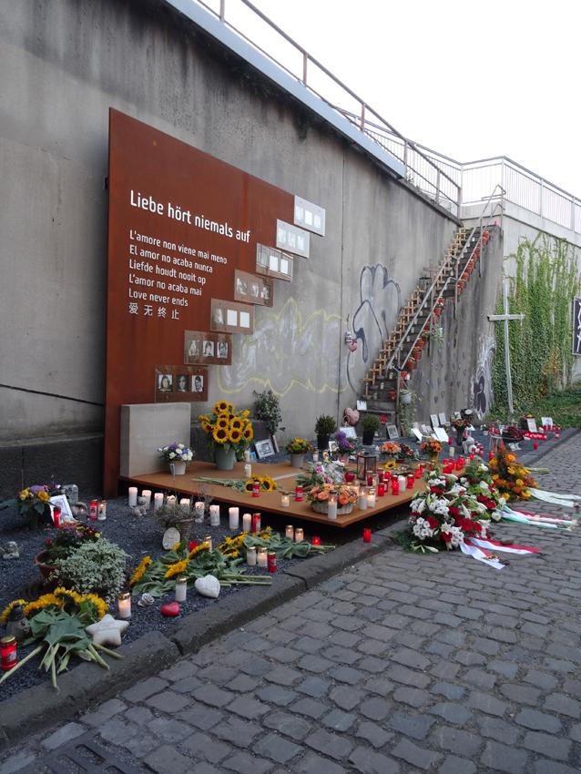 Die Gedenkstätte für die Opfer der Loveparade 2010 am sechsten Jahrestag. Foto: Petra Grünendahl.