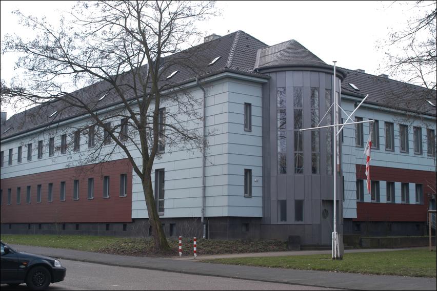 Das Schiffer-Berufskolleg RHEIN am Bürgermeister-Wendel-Platz in Homberg. Foto: Petra Grünendahl.