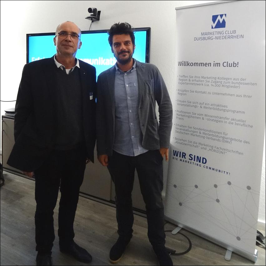 """""""Kommunikation im digitalen Zeitalter"""": Refernt André Lapehn (r.) und Andreas Ocklenburg (l.), Gechäftsführer vom Markteing-Club Duisburg-Niederrhein. Foto: Petra Grünendahl."""
