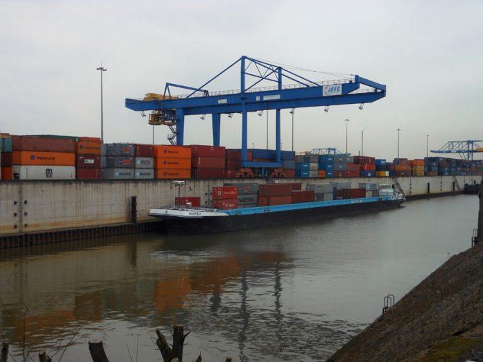 Duisdburger Hafen schafft Spitzenergebnis im Containerumschlag: Über 4 Millionen Container werden umgeschlagen
