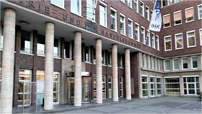 Konjunkturumfrage der Niederrheinischen IHK Duisburg: Jeder 3. Industriebetrieb erwartet mehr Auslandsaufträge
