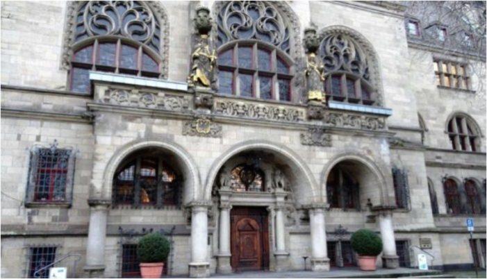 Haushaltsentwurf für 2018 in Duisburg vorgestellt: Sitzung im Rat der Stadt