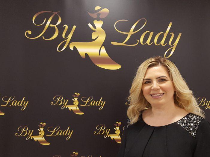 """Quartiersmanager der GFW Duisburg siedelten neues Unternehmen an: """"By Lady"""" – Abendmode in der Duisburger Altstadt"""
