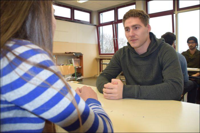 Chancenwerk: Azubis schaffen Berufschancen für Schüler an Theodor-König-Gesamtschule in Duisburg