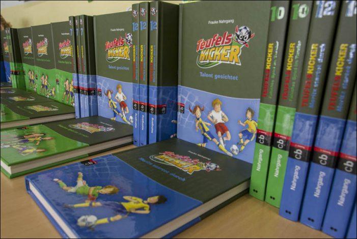 """Lesen-Kopfball-Tor"": Aktion zur Leseförderung des Lions Clubs Duisburg-Concordia e.V."
