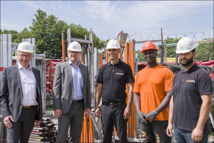 "Alba Bau GmbH – Gerüstbau mal anders: Duisburger Ausbildungsbetrieb ""lebt"" gesellschaftli-che Unternehmensverantwortung"