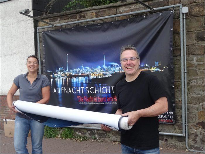 Outdoor-Galerie Aufnachtschicht zeigt neue Bilder am Leinpfad in Duisburg-Ruhrort
