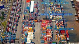 duisport-Halbjahresbilanz 2018: Containerumschlag im Duisburger Hafen bleibt  auf Rekordniveau