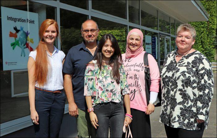 Endlich wieder in Lohn und Brot: Agentur für Arbeit und jobcenter Duisburg unterstützen syrische Familie