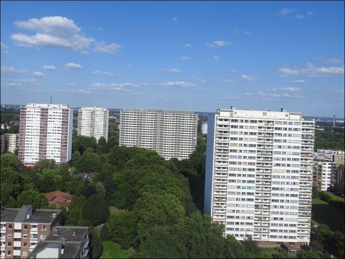 Weiße Riesen: Stadt Duisburg kauft weiteres Hochhaus auf der Ottostraße in Hochheide