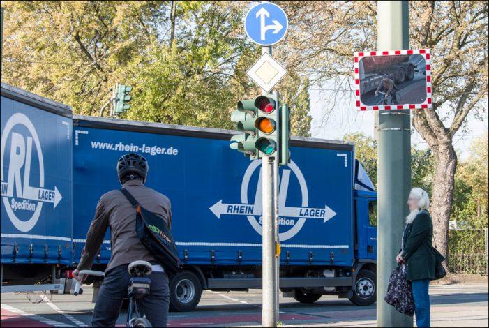 "Duisburg. Aber sicher!  Verkehrsspiegel gegen den ""Toten Winkel"""