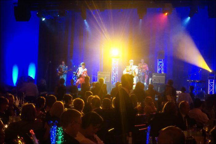 Mit den Beatles in den Advent tanzen: Die 12. Charity-Gala des Lions Clubs Duisburg-Concordia