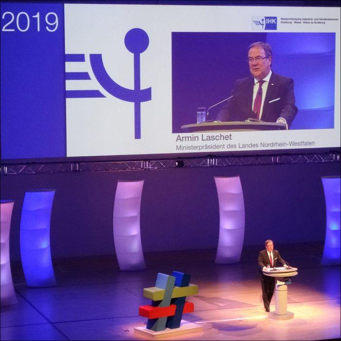 Niederrheinsiche IHK lud zum Neujahrsempfang in die Mercatorhalle in Duisburg: #gemeinsamgestalten