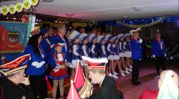 Duisburg: Jubiläumsprunksitzung der KG Sonniger Süden Blau-Rot 1953 e. V. begeisterte im rappelvollen Saal