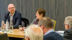 Duisburgs Oberbürgermeister Sören Link begrüßt RVR-Verbandsleitung zur Klausurtagung
