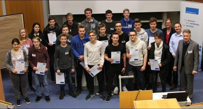 Oberstufenschüler entdeckten den Ingenieur-Beruf: Einblicke in Wissenschaft und zwölf Unternehmen
