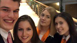 Erfolgreiches Bewerbungstraining in Duisburg: Azubis zeigten Schülern, warum sie stolz sind, Banker zu sein