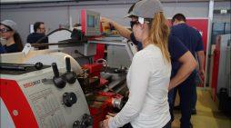 Girls' Day bei Siemens: Mädchen löteten, bauten und schweißten