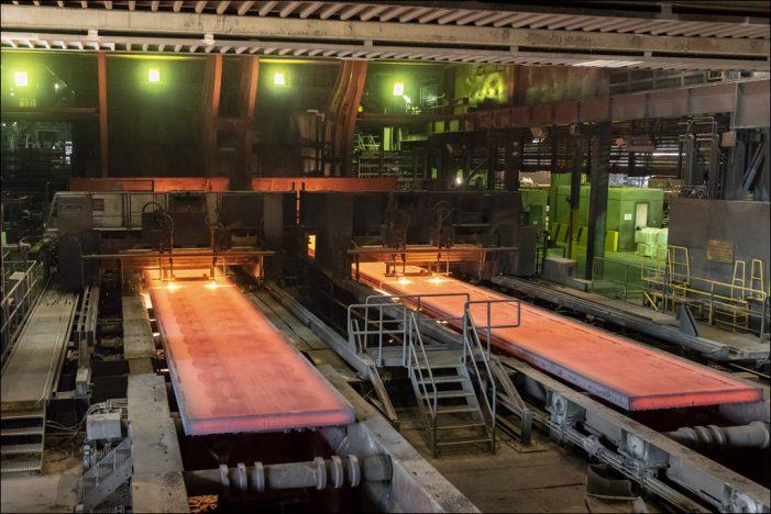 Jubiläum bei thyssenkrupp in Duisburg: Gießwalzanlage wird 20 Jahre