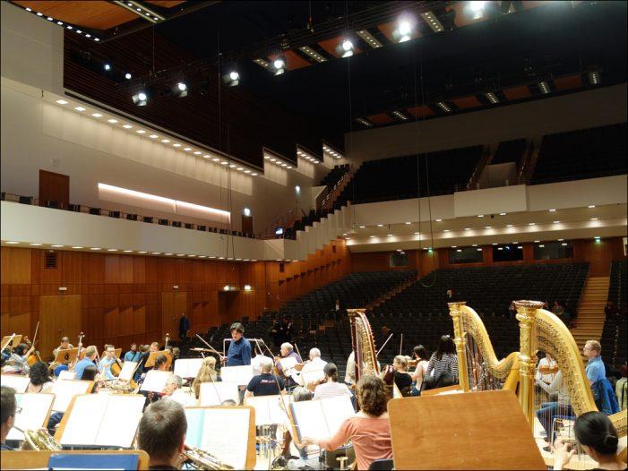 """Deutsche Oper am Rhein zeigt Richard Wagners """"Götterdämmerung"""" konzertant in Duisburgs Mercatorhalle"""
