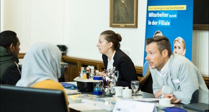 IHK Duisburg bringt Firmen und Geflüchtete ins Gespräch: Speed-Dating hilft bei Fachkräftesicherung