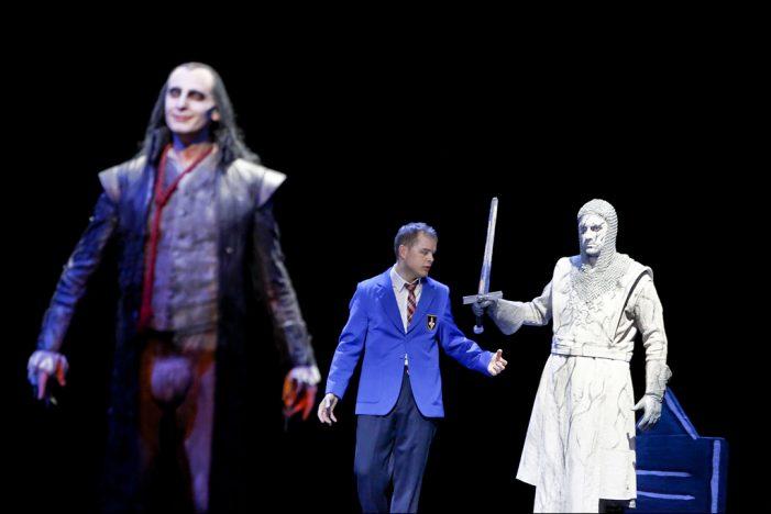 """Deutsche Oper am Rhein: Junges Publikum feierte den """"Geisterritter"""" bei der Premiere im Theater Duisburg"""