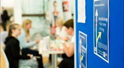 Azubis für über 800 freie Ausbildungsplätze gesucht: Niederrheinische IHK berät Schüler und Unternehmer individuell