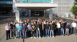 32 Azubis starten ihre Karriere bei Siemens in Duisburg