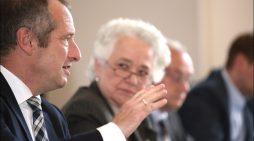 Oliver Wittke diskutiert mit Unternehmern in Duisburg: Industrie braucht eine stabile Energieversorgung