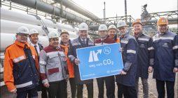 Weltpremiere in Duisburg: NRW-Wirtschaftsminister Pinkwart startet bei thyssenkrupp Wasserstoff-Versuchsreihe