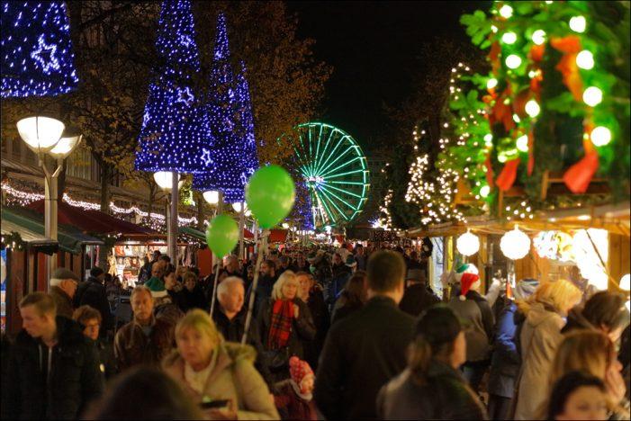 Jubiläum einer Traditionsveranstaltung: Glitzerndes Lichtermeer beim 40. Duisburger Weihnachtsmarkt