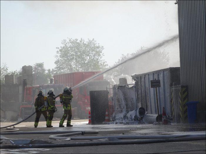 Großeinsatz der Feuerwehr Duisburg in Kaßlerfeld