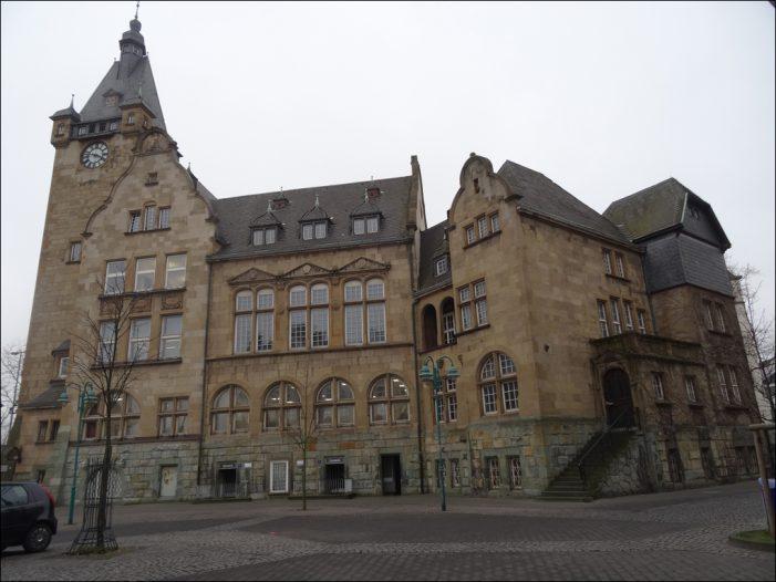 Sicherungsmaßnahmen am Hamborner Rathaus