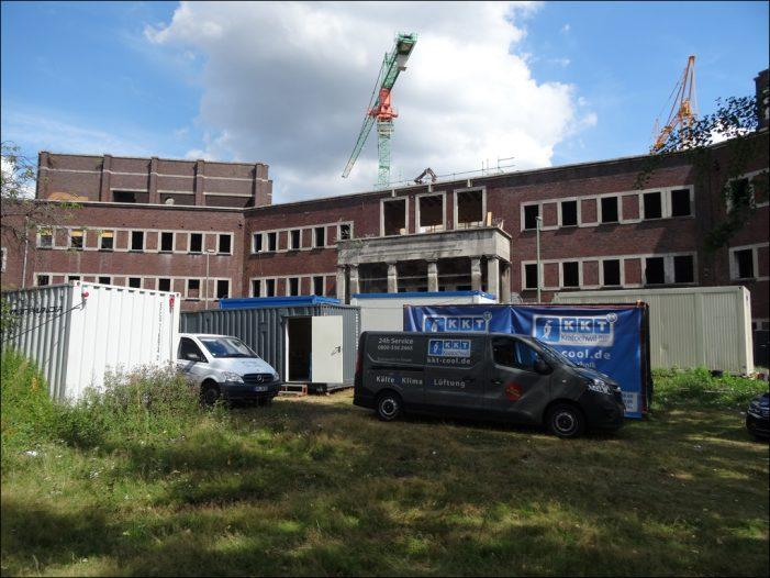 Stadtbad Hamborn: Duisburgs Oberbürgermeister Sören Link übergab Baugenehmigung