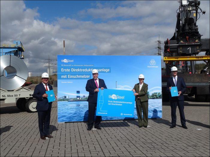Bundeswirtschaftsminister Peter Altmaier bei thyssenkrupp Steel in Duisburg