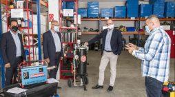 Duisburgs Oberbürgermeister vor Ort bei der Günes Sanierung GmbH