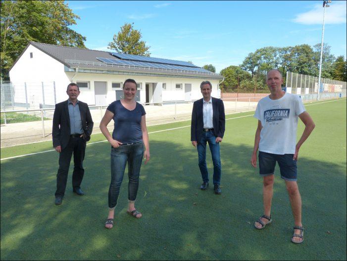 Neues Umkleidegebäude für Sportanlage Honigstraße in Duisburg-Meiderich