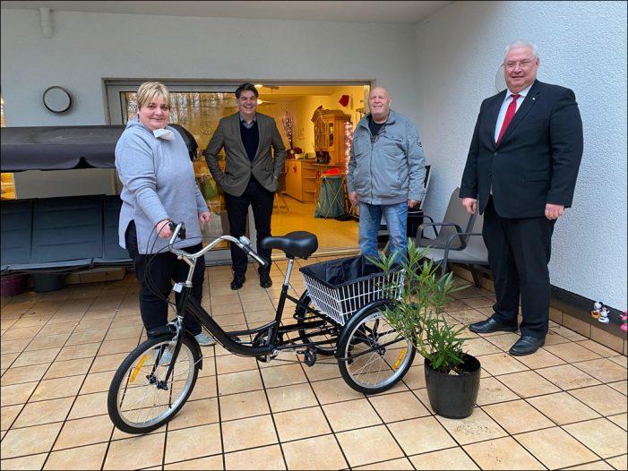 Landtagsabgeordneter besucht Wohnstätte der LebensRäume in Duisburg