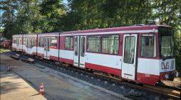 DVG stellt der Feuerwehr Duisburg ausrangierte Straßenbahn zum Üben zur Verfügung