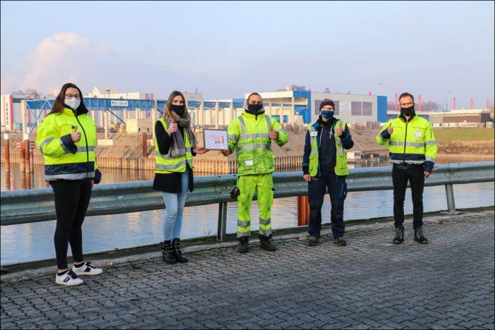 """Duisburger Hafen zum fünften Mal in Folge """"Ausgezeichneter Ausbildungsbetrieb""""!"""