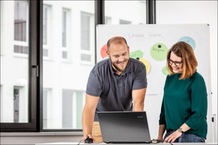 Niederrheinische IHK in Duisburg bietet berufsbegleitende Praxisstudiengänge an