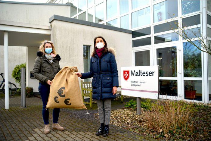 Restcentspende in Duisburg: Mitarbeiter des DVV-Konzerns spenden für guten Zweck