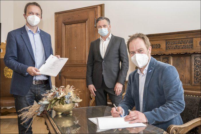 Schnelles Internet für Duisburg: Stadt und Telekom unterzeichnen Letter of Intent
