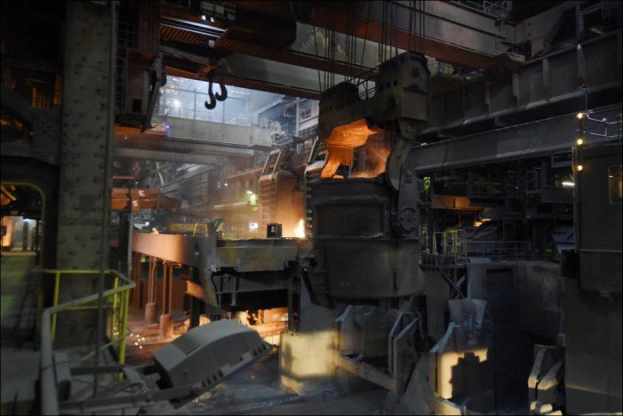 Wirtschaftsbarometer Duisburg: Industrie stemmt sich gegen die Krise