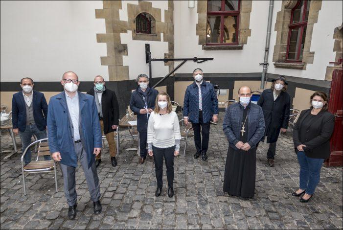 Verschiedene Duisburger Religionsgemeinschaften gedenken gemeinsam  der Corona-Opfer in der Stadt